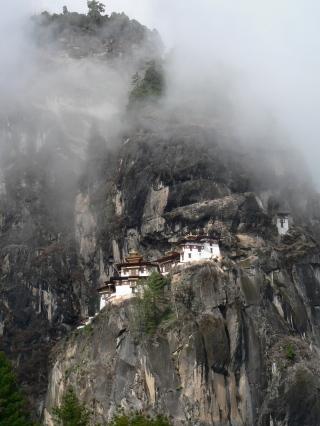 Taktshang_(Tiger's_Nest)_Monastery,_Paro_Valley