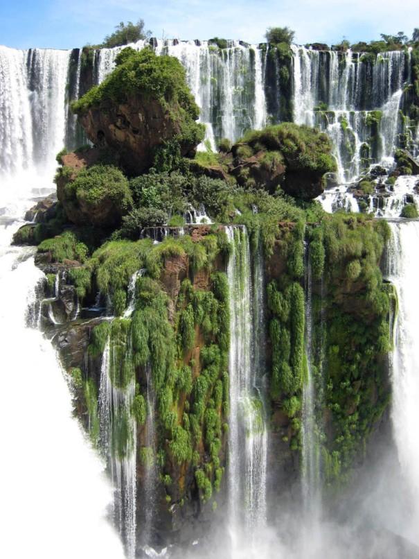 iguazu-falls-waterfall-island 2