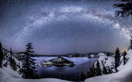 Milky_Way_Crater_Lake_4-20-2013_Lyrids_Ben_Coffman_Photogrpahy